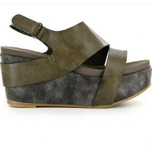 Boutique by Corky's Pismo Platform Wedge Sandal 9